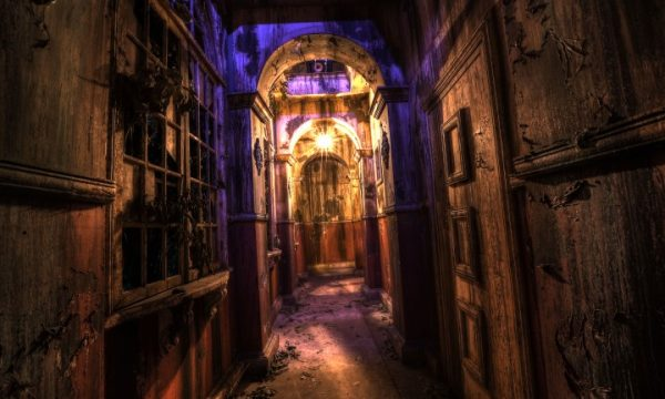 epic Hallway shot